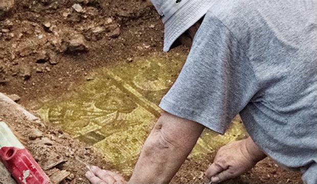 UNC professor finds treasures buried in Israel (Image 1)_28854