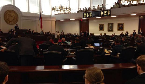 Senate to act swiftly on override on McCrory marriage veto (Image 1)_31339