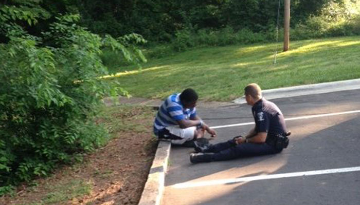 charlotte officer with autistic teen_192336