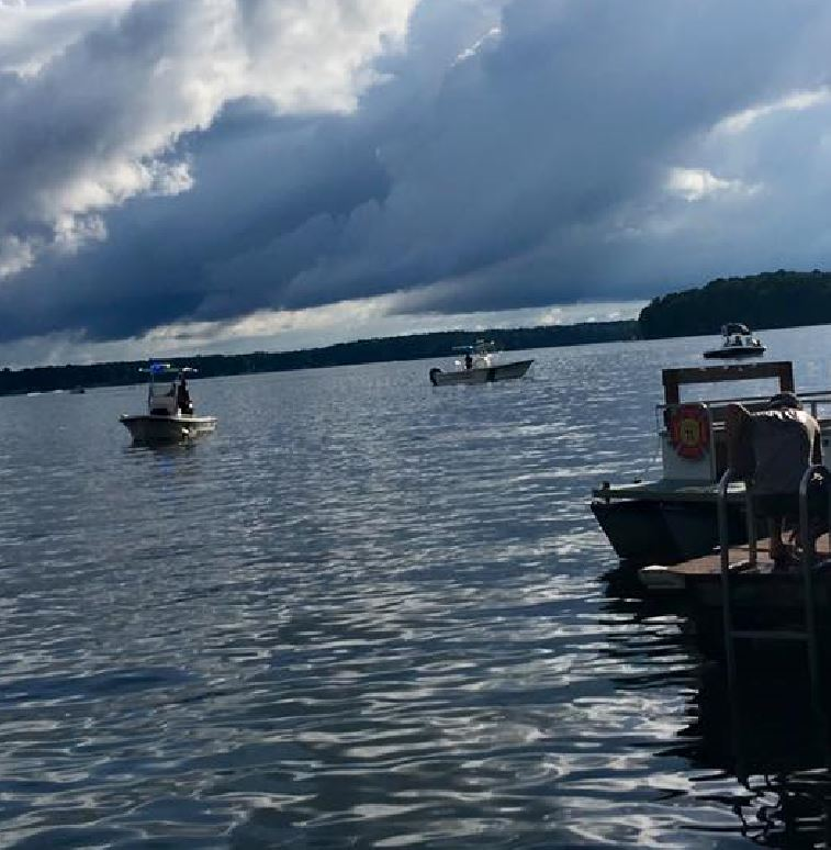 Divers recover body after teen boy drowns on Lake Gaston