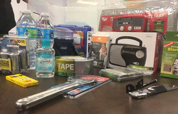 weather preparedness emergency kit_251584
