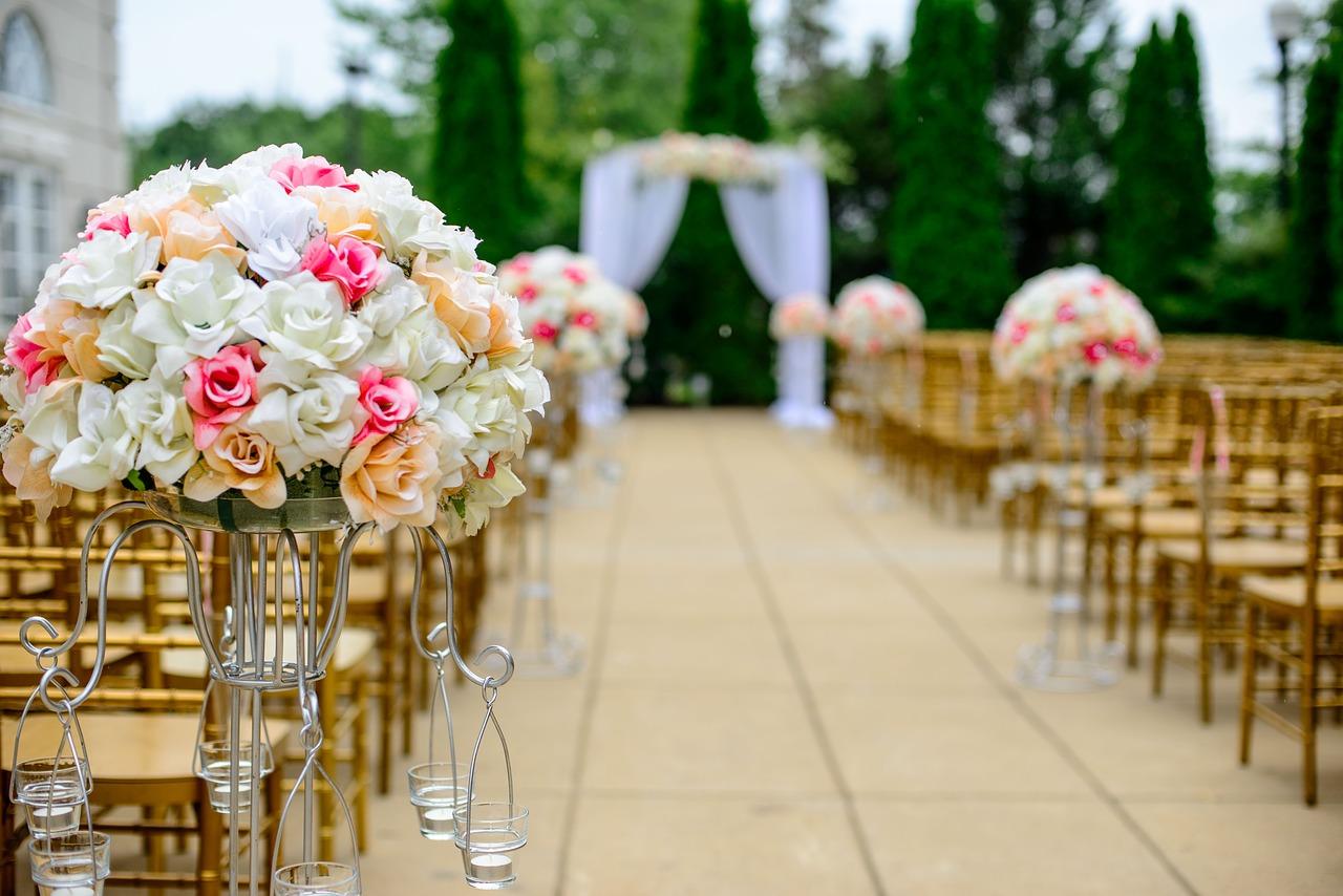 wedding aisle generic pixabay_431009