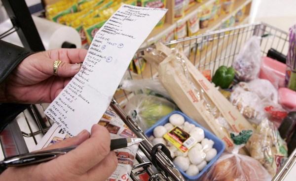 generic-grocery-shopping-cart_578083
