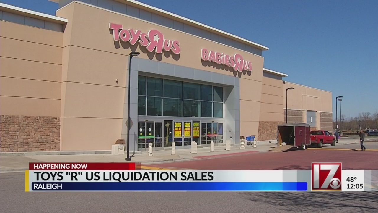 Toys_R_Us_liquidation_sale_underway_0_20180323164732