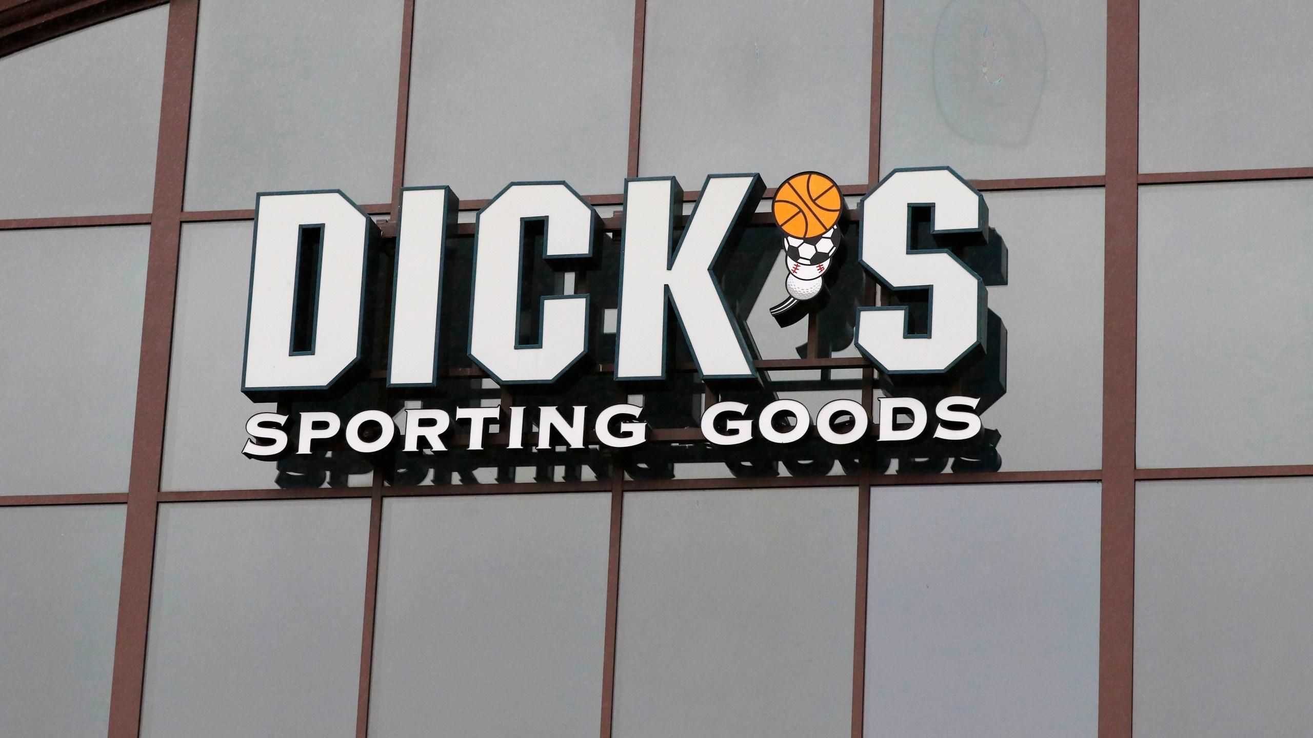 Earns_Dicks_Sporting_Goods_70265-159532.jpg51253495