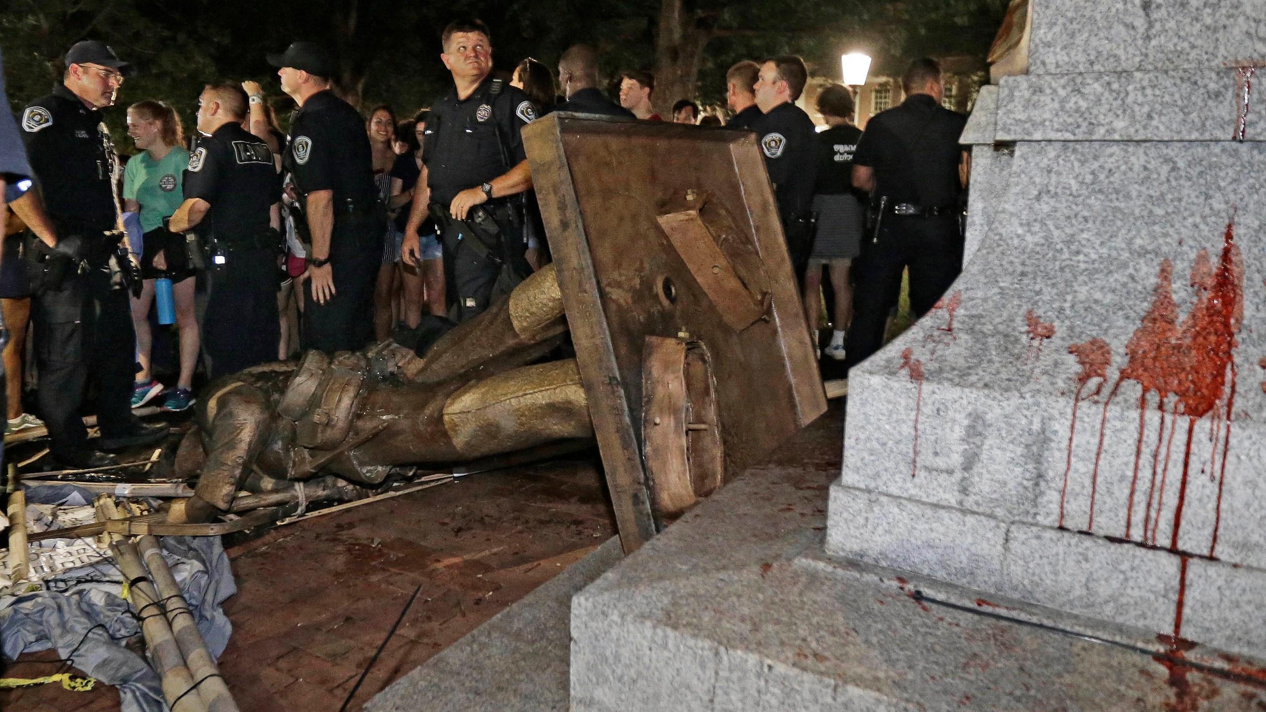 APTOPIX Confederate Monuments_1535133630208