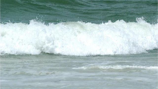 R-BEACH-WAVES-GENERIC-OCEAN_1532516969586_49545929_ver1.0_1280_720_1532527556110_49557623_ver1.0_640_360_1537910488123.jpg