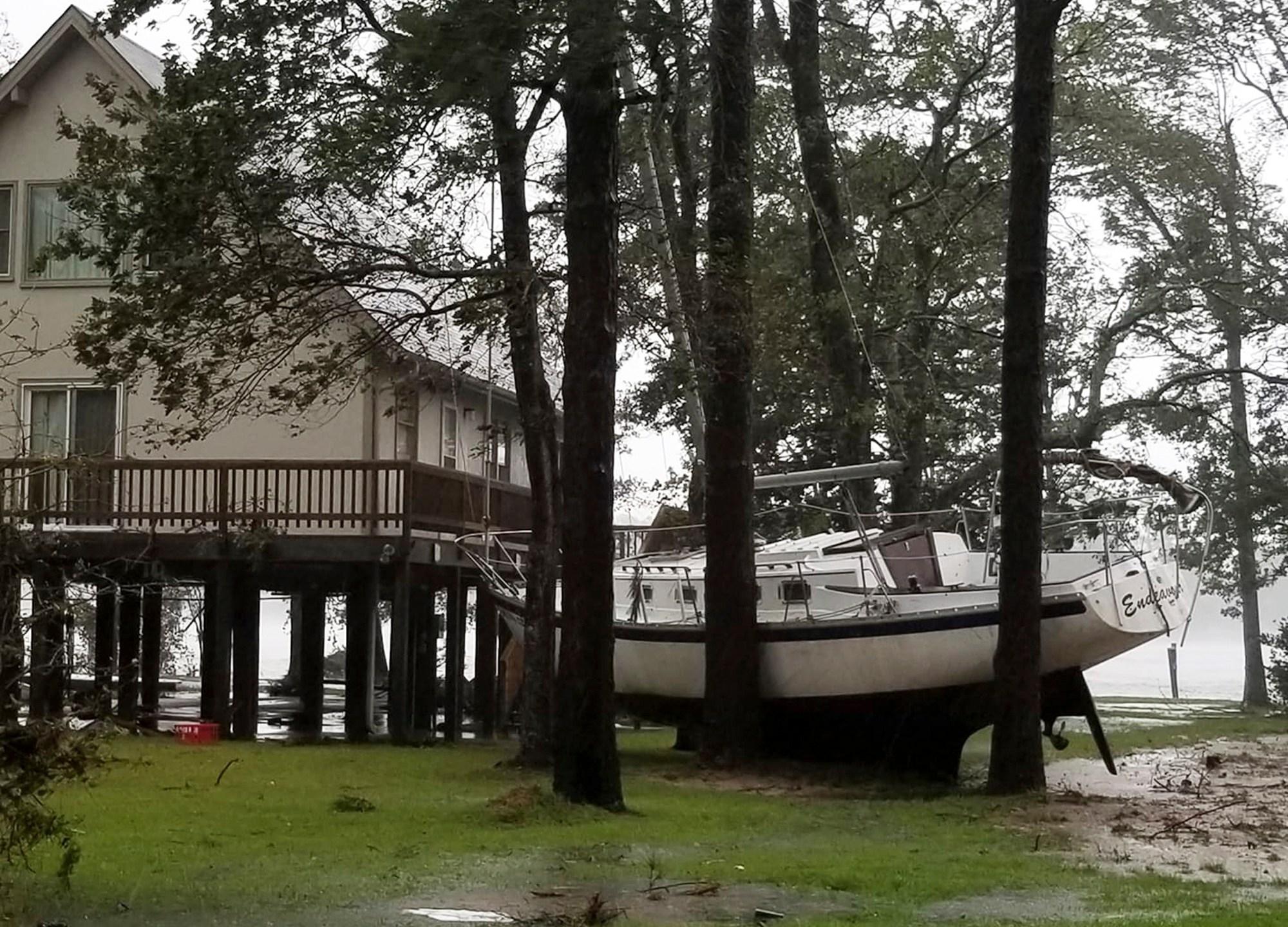 Tropical_Weather_North_Carolina_78124-159532.jpg33148185