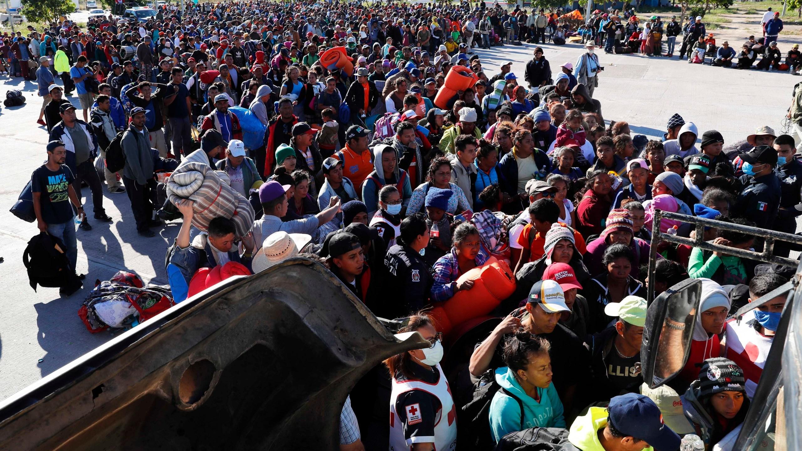 APTOPIX_Central_America_Migrant_Caravan_12597-159532.jpg53435712