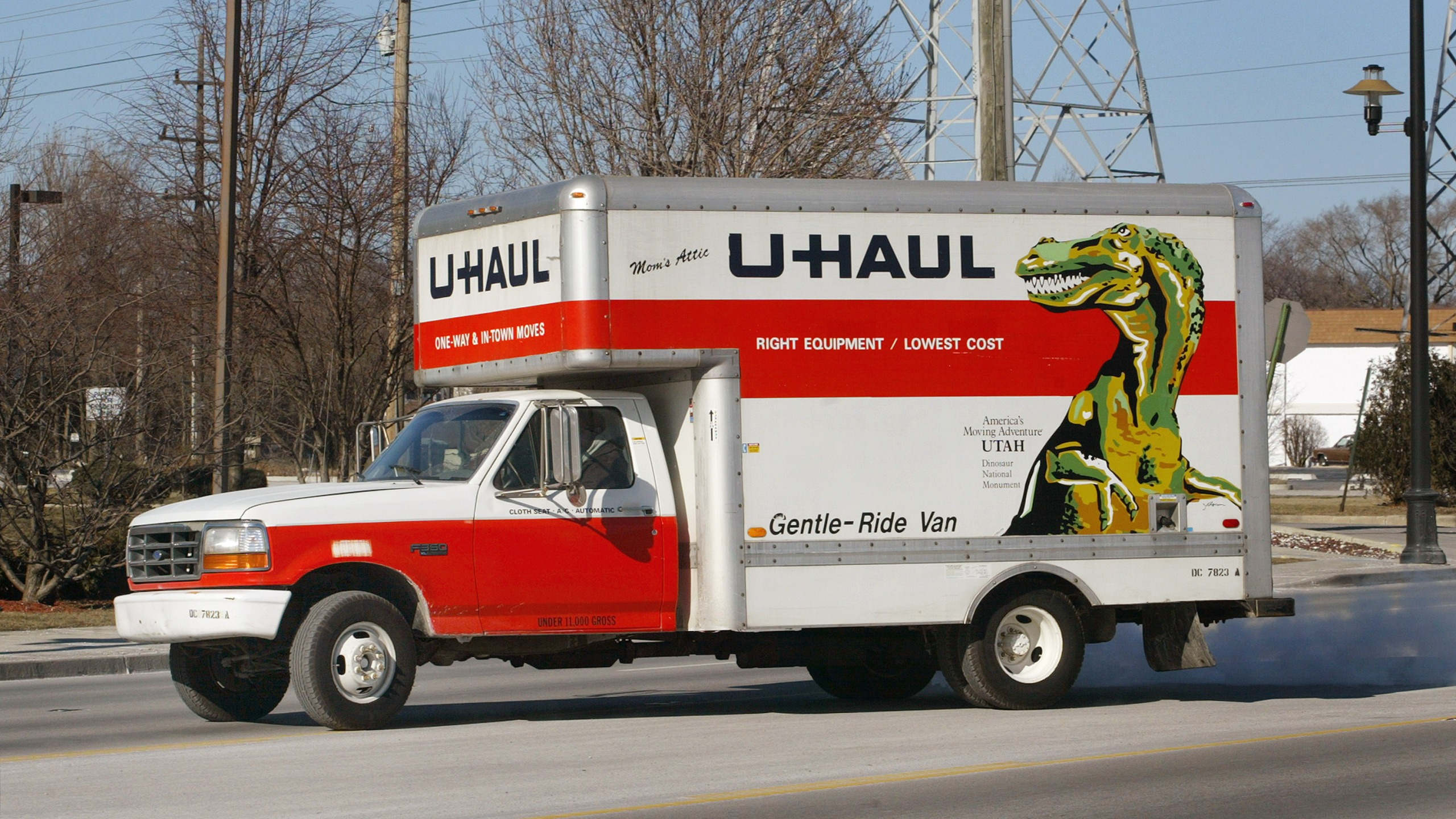 U Haul Moving Truck >> 3 Kids Found Locked In Back Of U Haul Carrying Drugs 3 Adults From