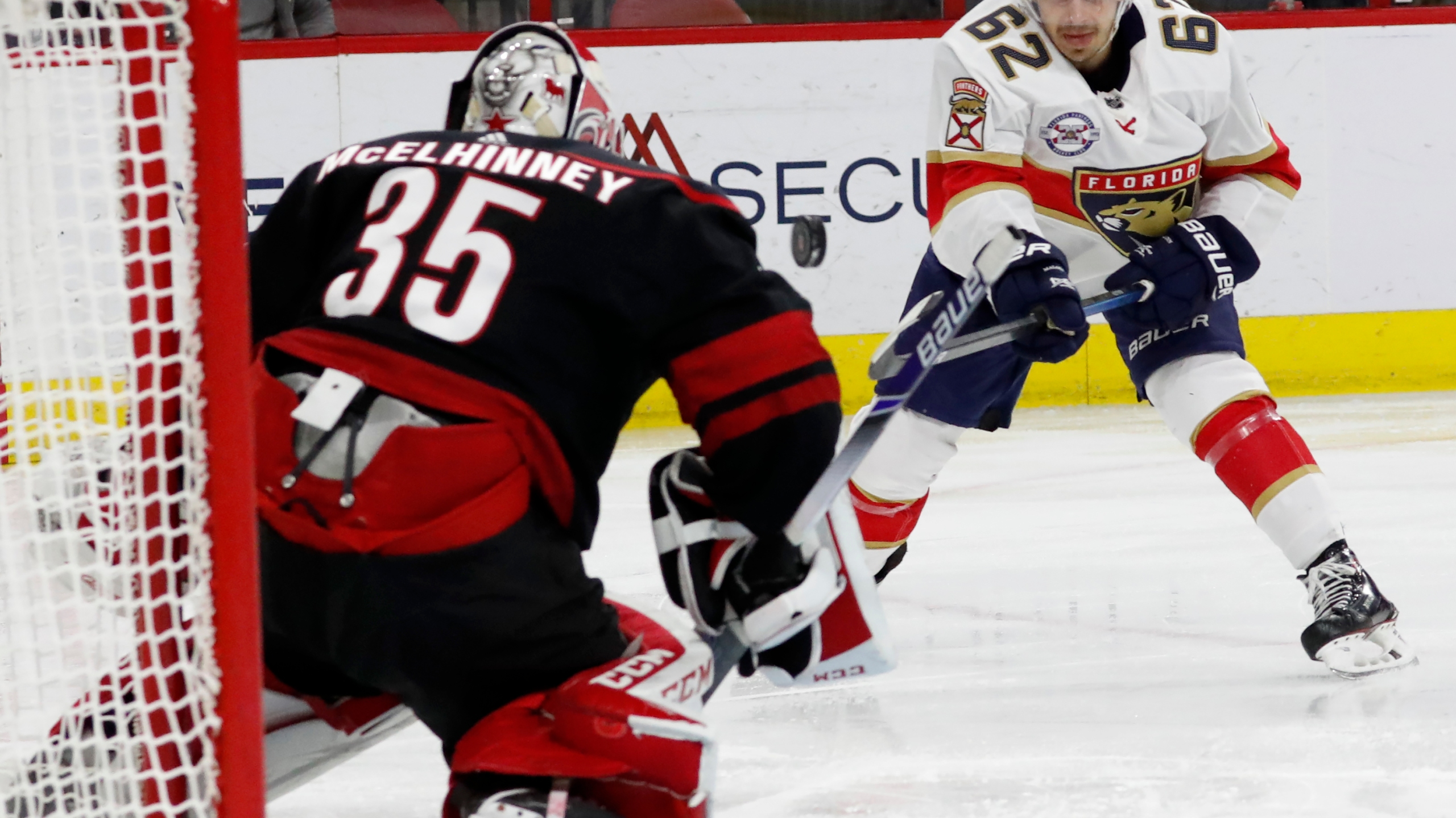 Panthers Hurricanes Hockey_1543892936823