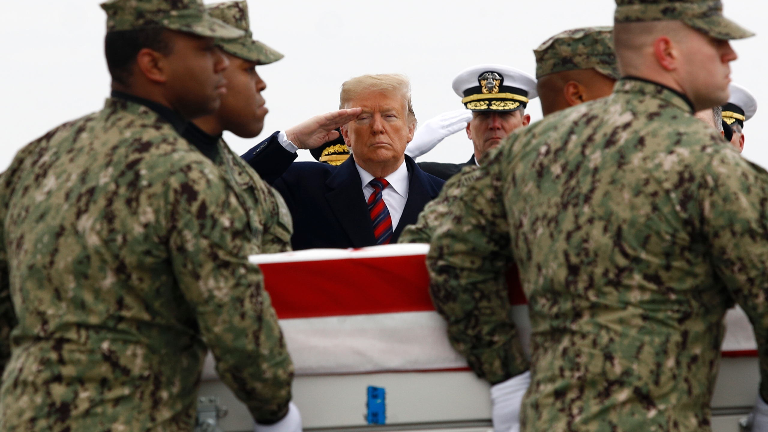 APTOPIX_Trump_Syria_Casualty_Return_83398-159532.jpg32704205