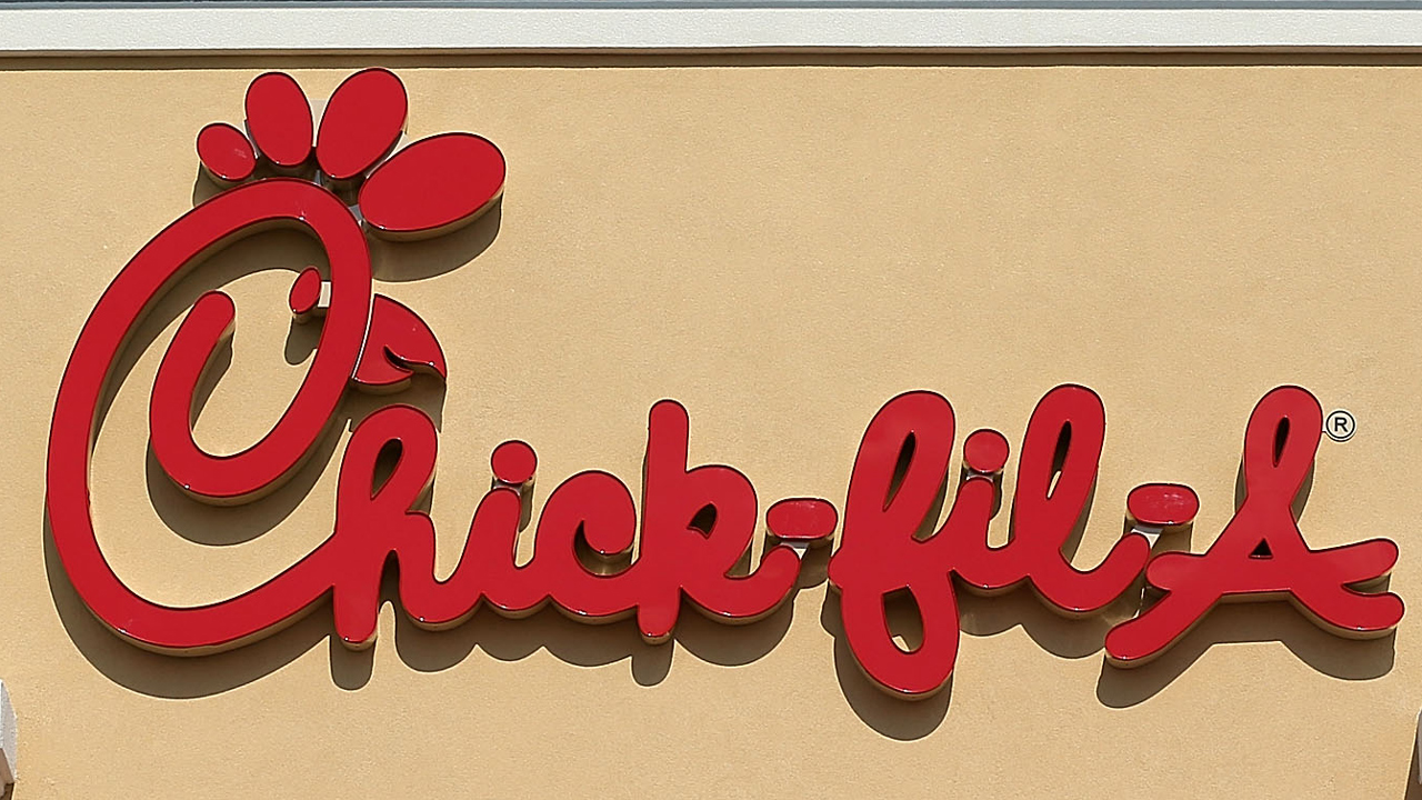 Chick-fil-A restaurant sign-159532-159532-159532.jpg47459394