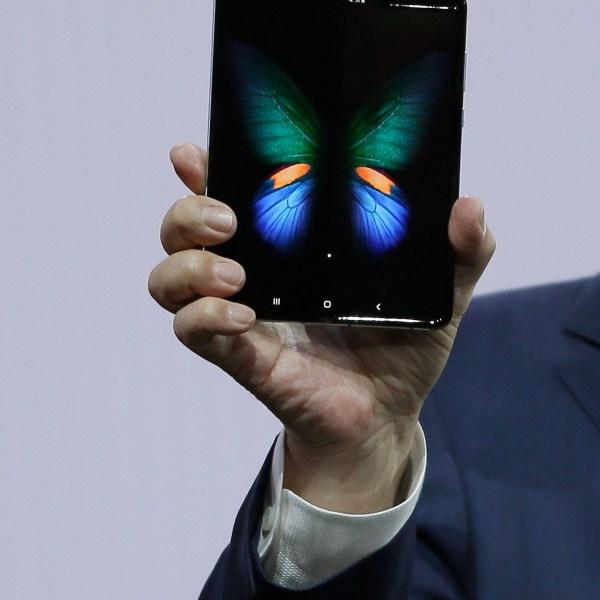 Samsung_New_Phones_58535-159532.jpg12711563