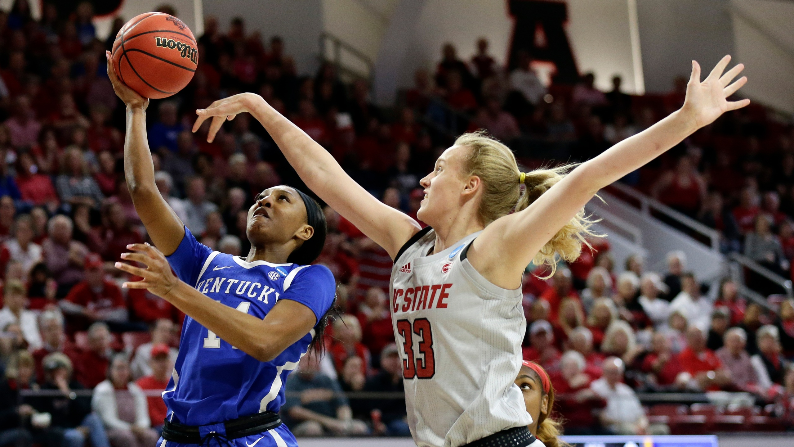 NCAA_Kentucky_NC_State_Basketball_26109-159532.jpg06429842