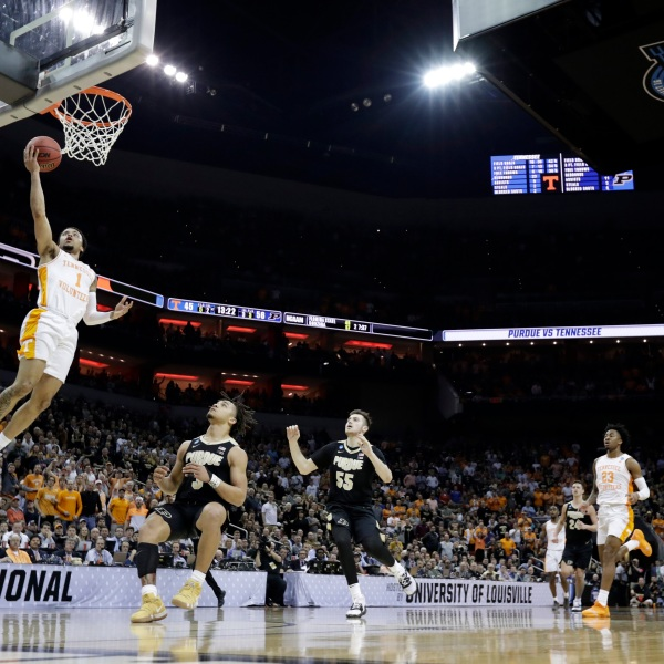 NCAA_Purdue_Tennessee_Basketball_58908-159532.jpg33915344