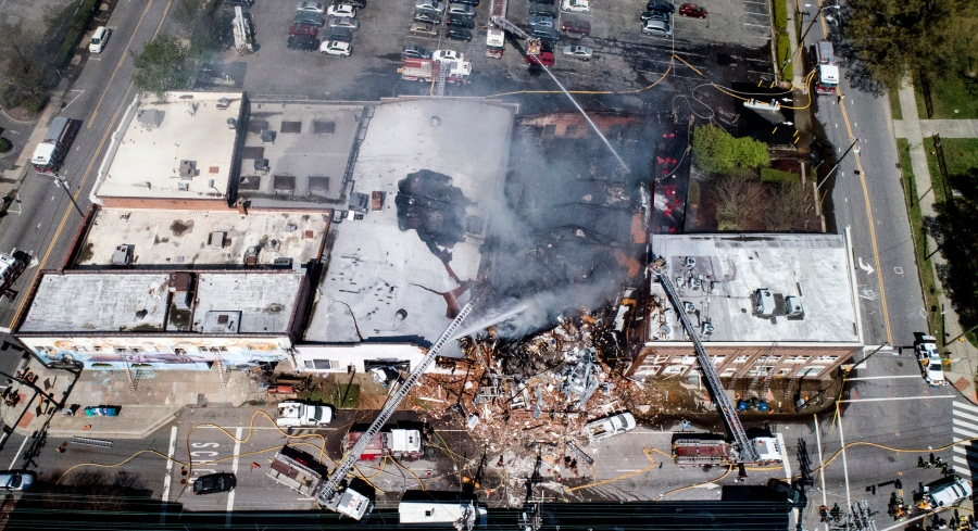 APTOPIX_Explosion_North_Carolina_89137-159532.jpg37713387