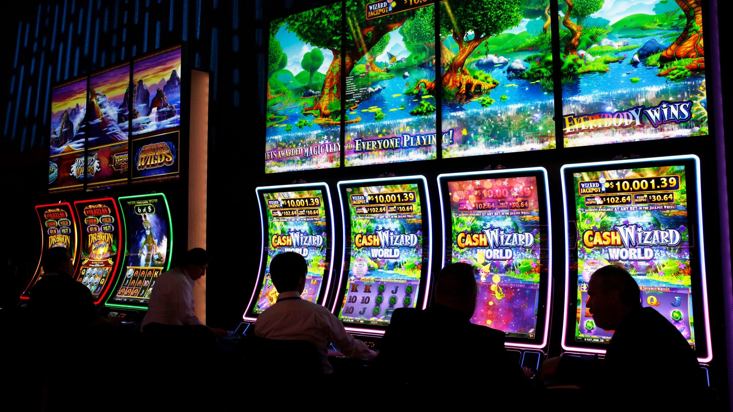 Sports_Gambling_Trade_Show_58091-159532.jpg23010460