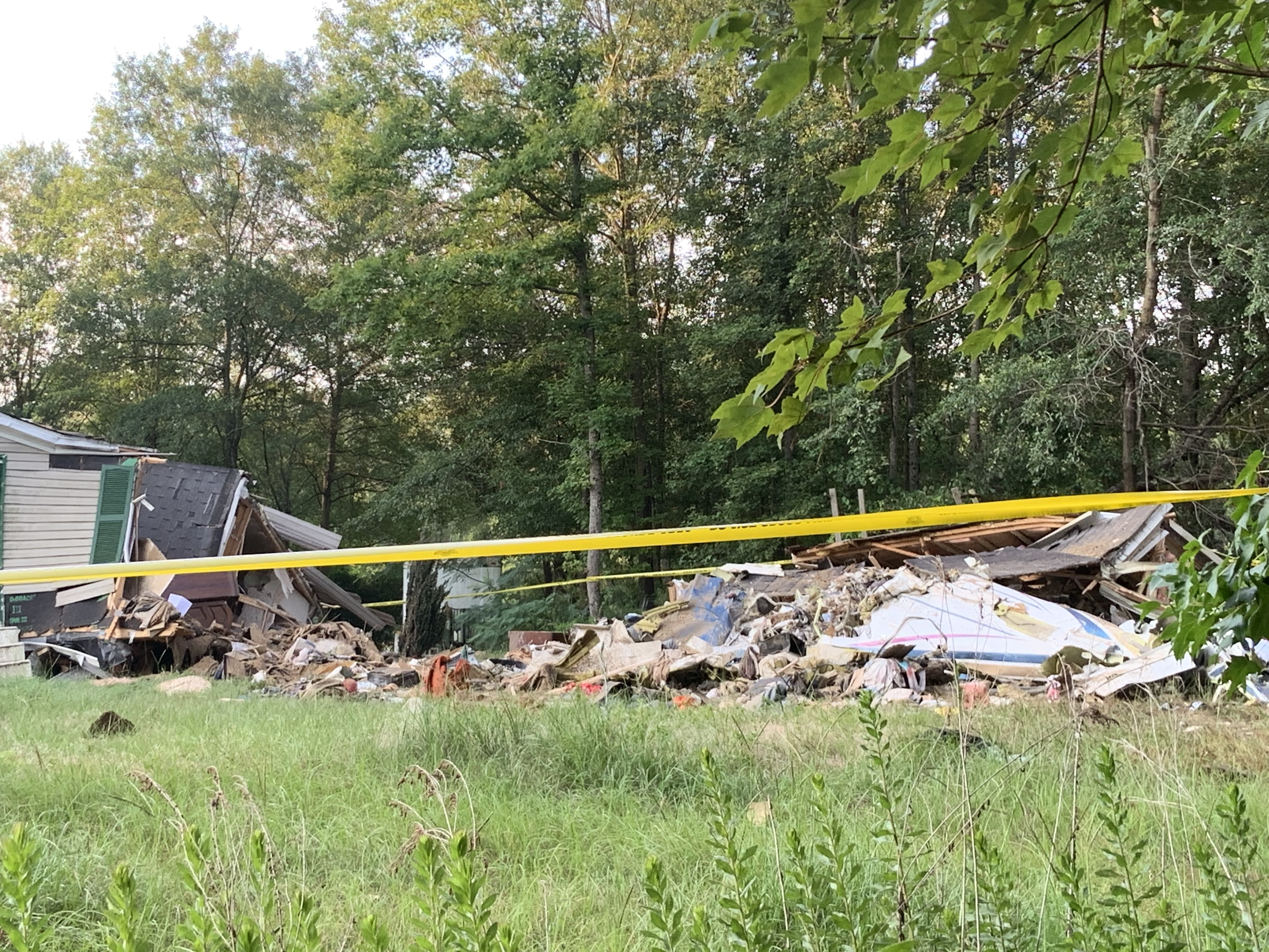 2 dead, 1 seriously injured after plane crashes into Cumberland