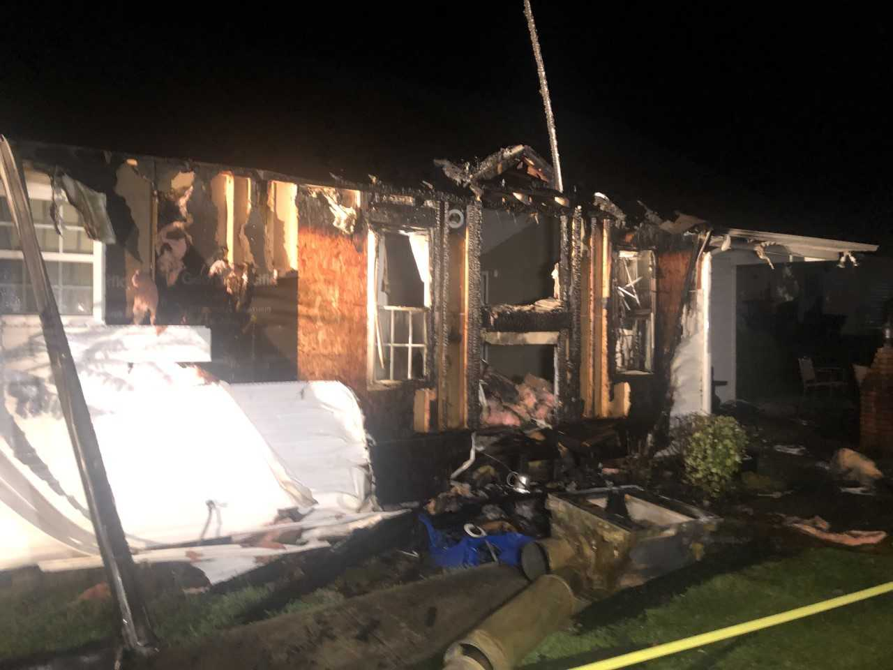 Cool 4 Displaced After Raleigh House Goes Up In Flames Following Download Free Architecture Designs Rallybritishbridgeorg