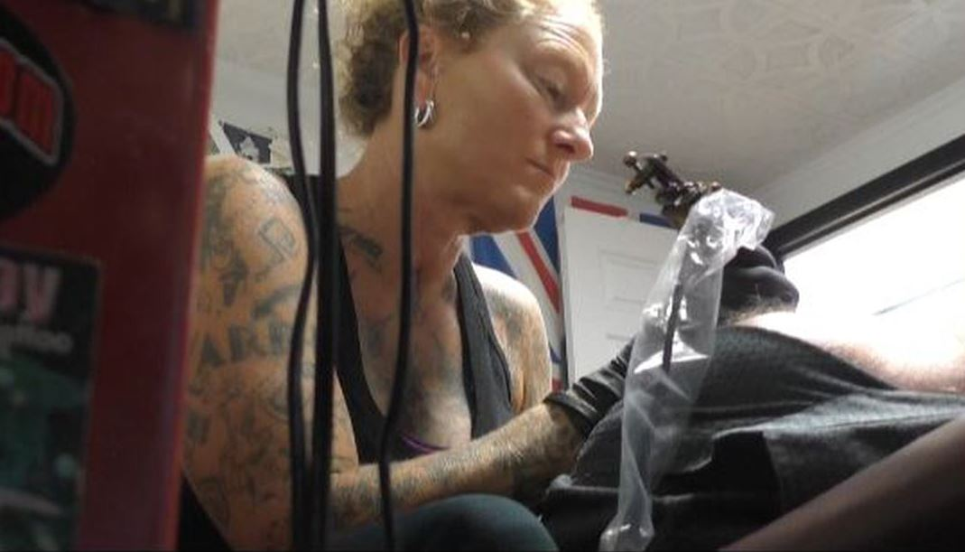 Nc Artist Tattoos Nipples For Breast Cancer Survivors Cbs 17