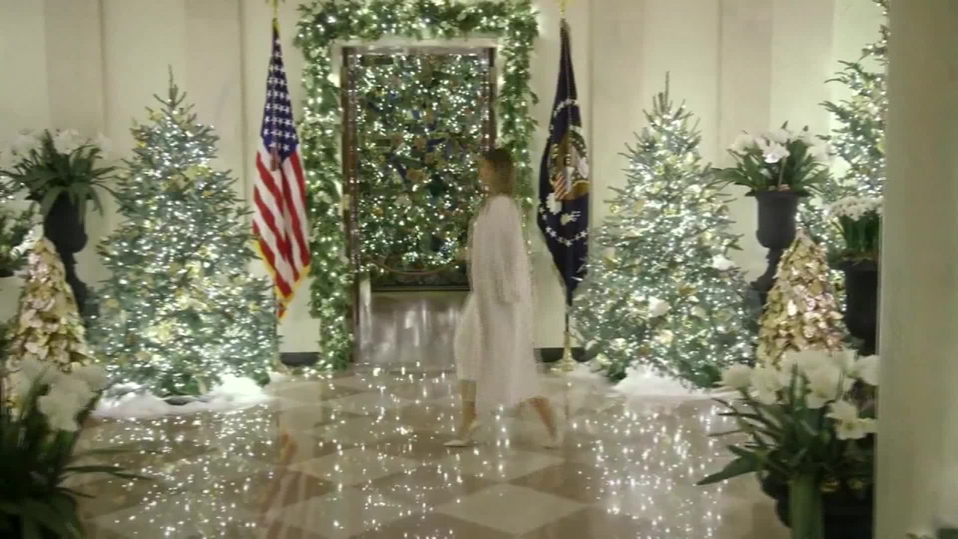 Melania Trump Unveils White House Christmas Decorations Cbs 17