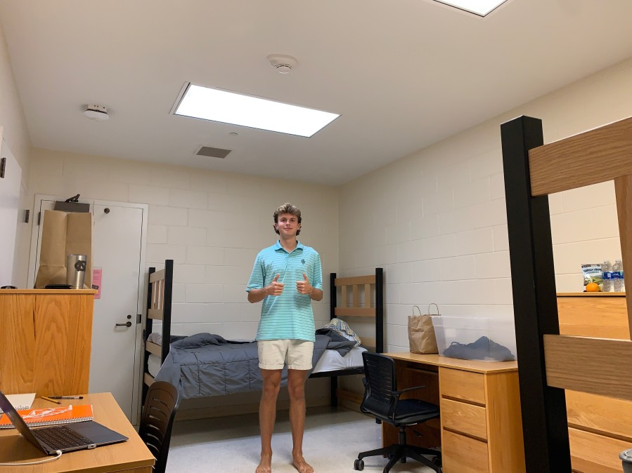 Hundreds Of Unc Students Move Out Of Dorms Others Stuck In Quarantine Cbs 17