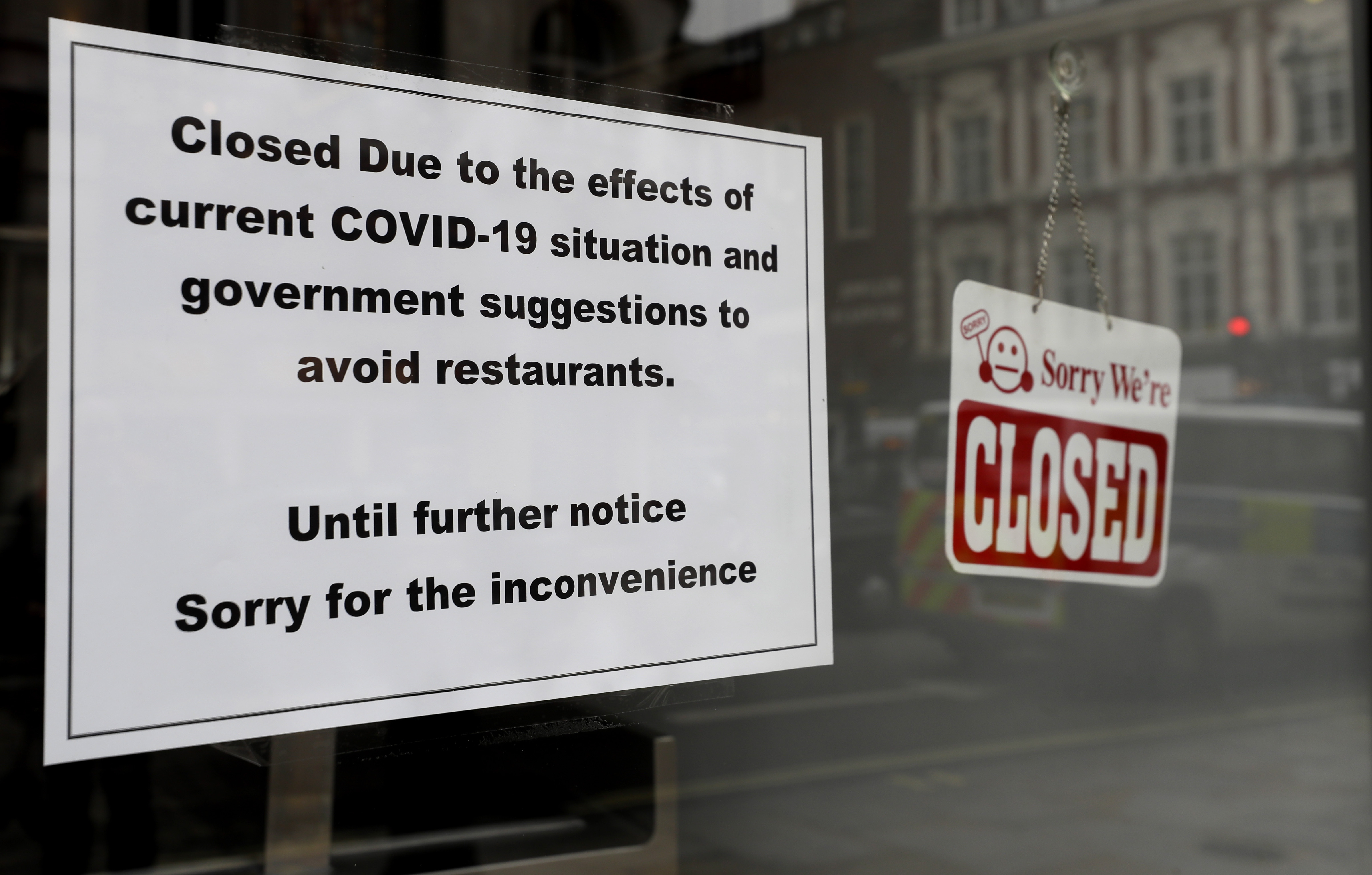More than 110,000 U.S. restaurants closed permanently or long-term, report  says | CBS 17