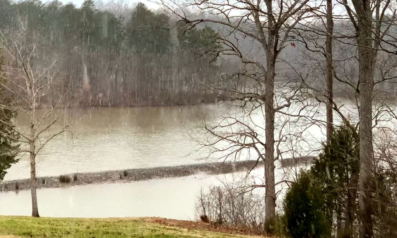 VIDEO: Snow falls at Hyco Lake in Person County; some flakes seen in Triangle