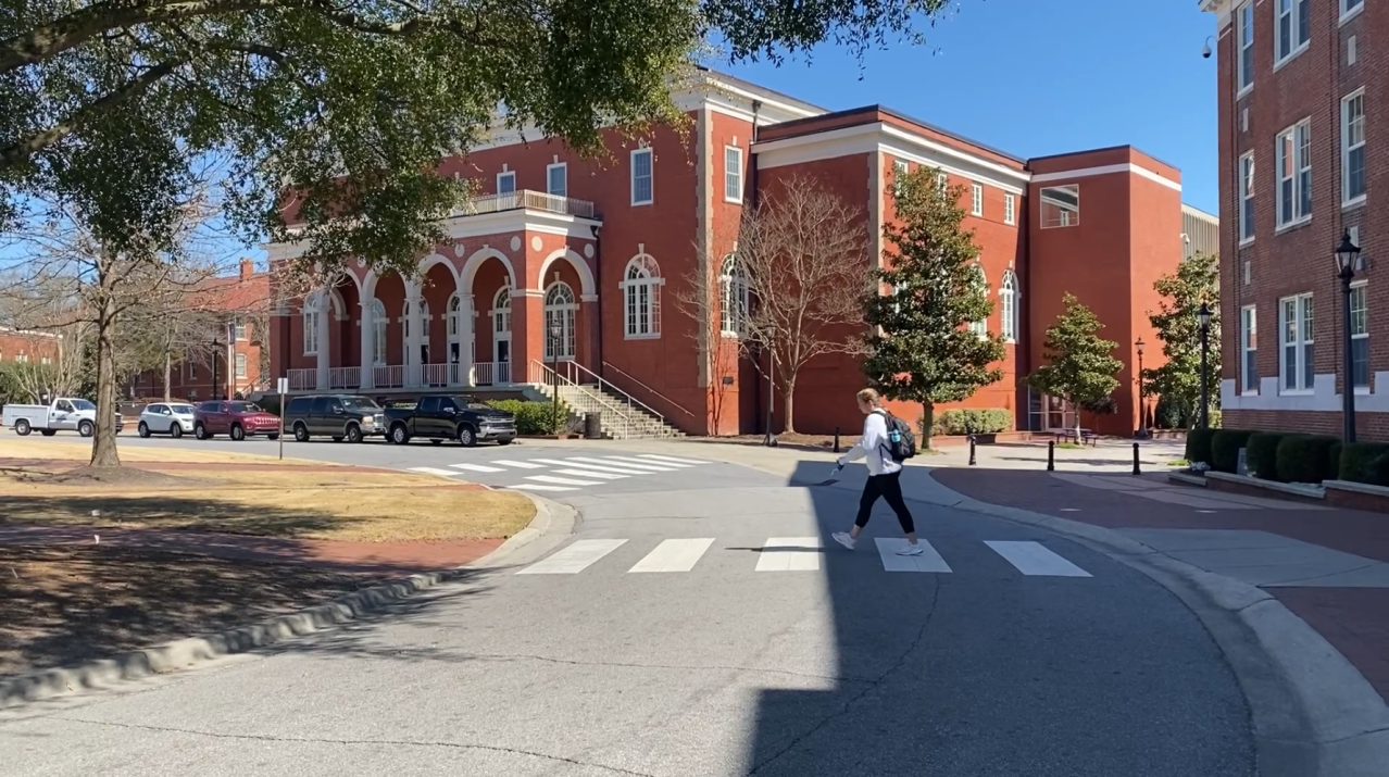 ECU students push for pass/fail option in spring semester